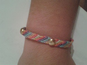 DIY: Bracelet brésilien avec des clous dans Bracelets 20141023_2103561-300x225